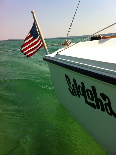 snoloha_sailing